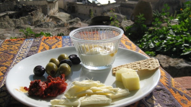 Gluten-free breakfast in Turkey with crackers brought from home.