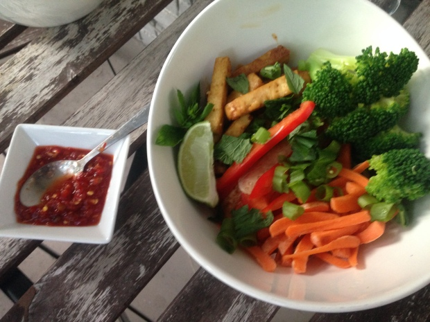 Easy Veggie Bowl with Peanut Sauce