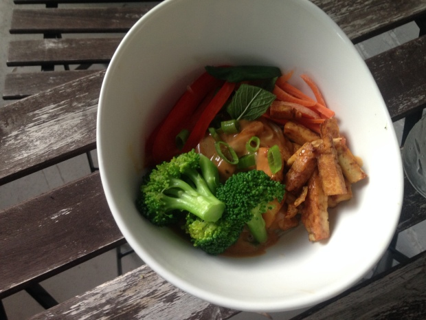 Easy Veggie Bowl with Gluten-Free Peanut Sauce